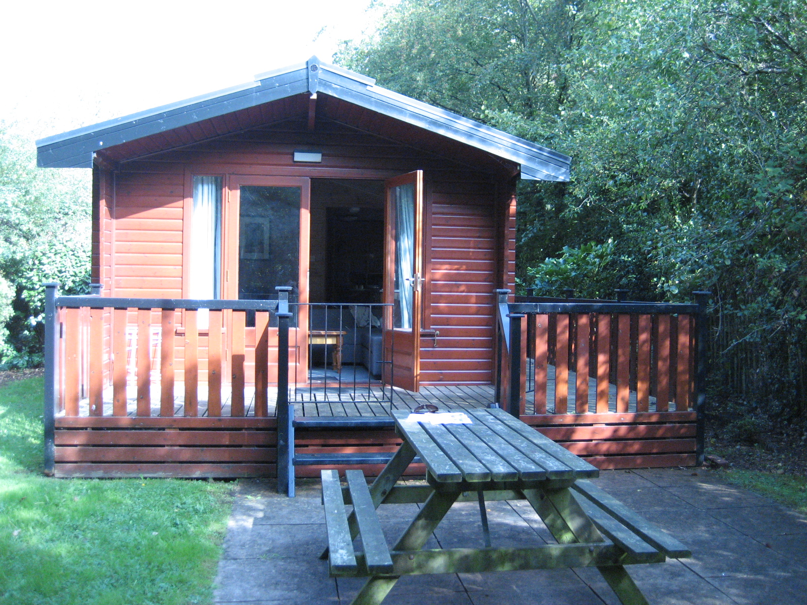 Sandy balls new forest camping tripreporter for Camp sites with cabins