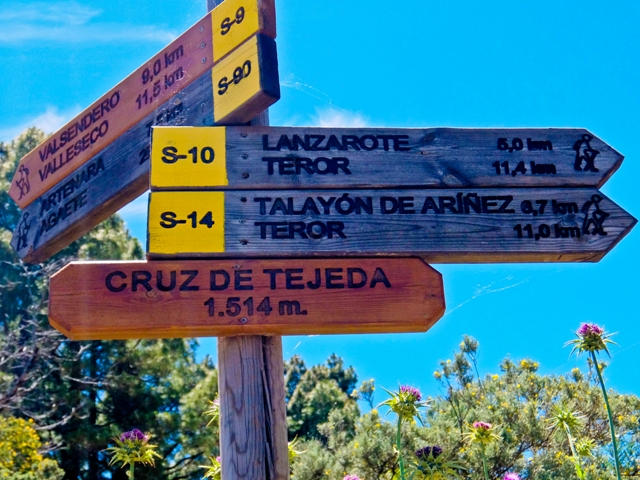 Cruz de Tejeda Sign