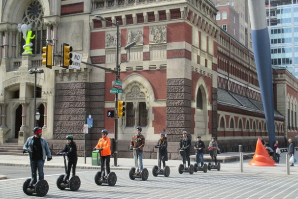 broad-street-segways-crtsy-philly-tour-hub-600vp-587x391