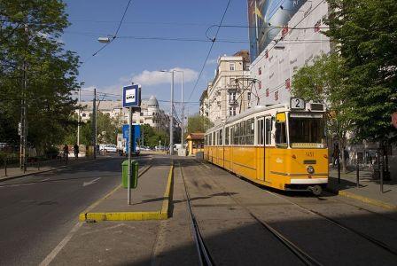 800px-Budapest_tram_3