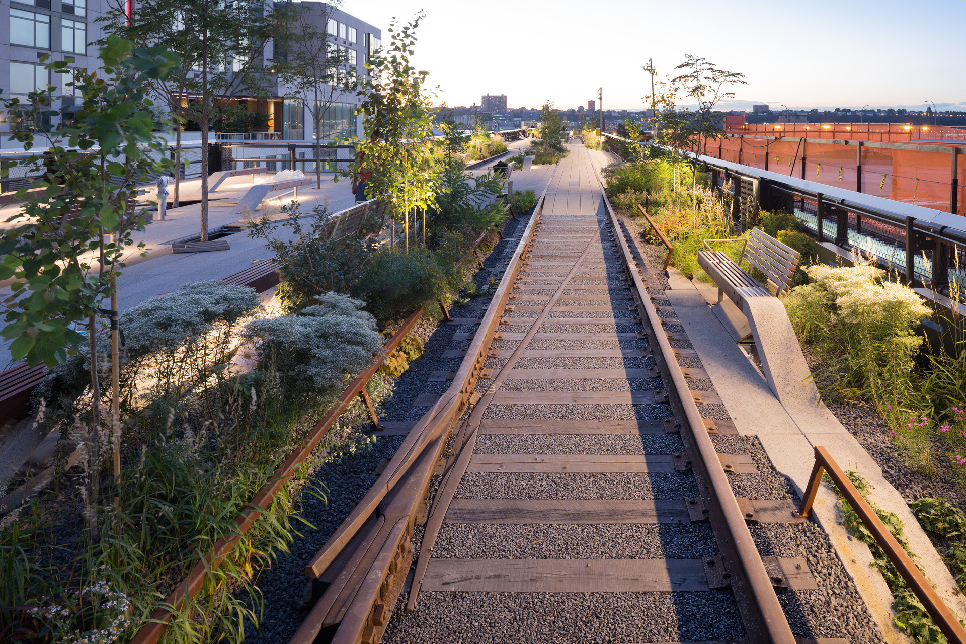 1406 High Line At The Rail Yards   Photo By Iwan Baan