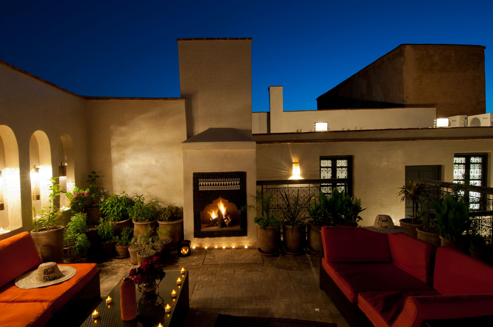 Roof Terrace by night at Riad Star (71)