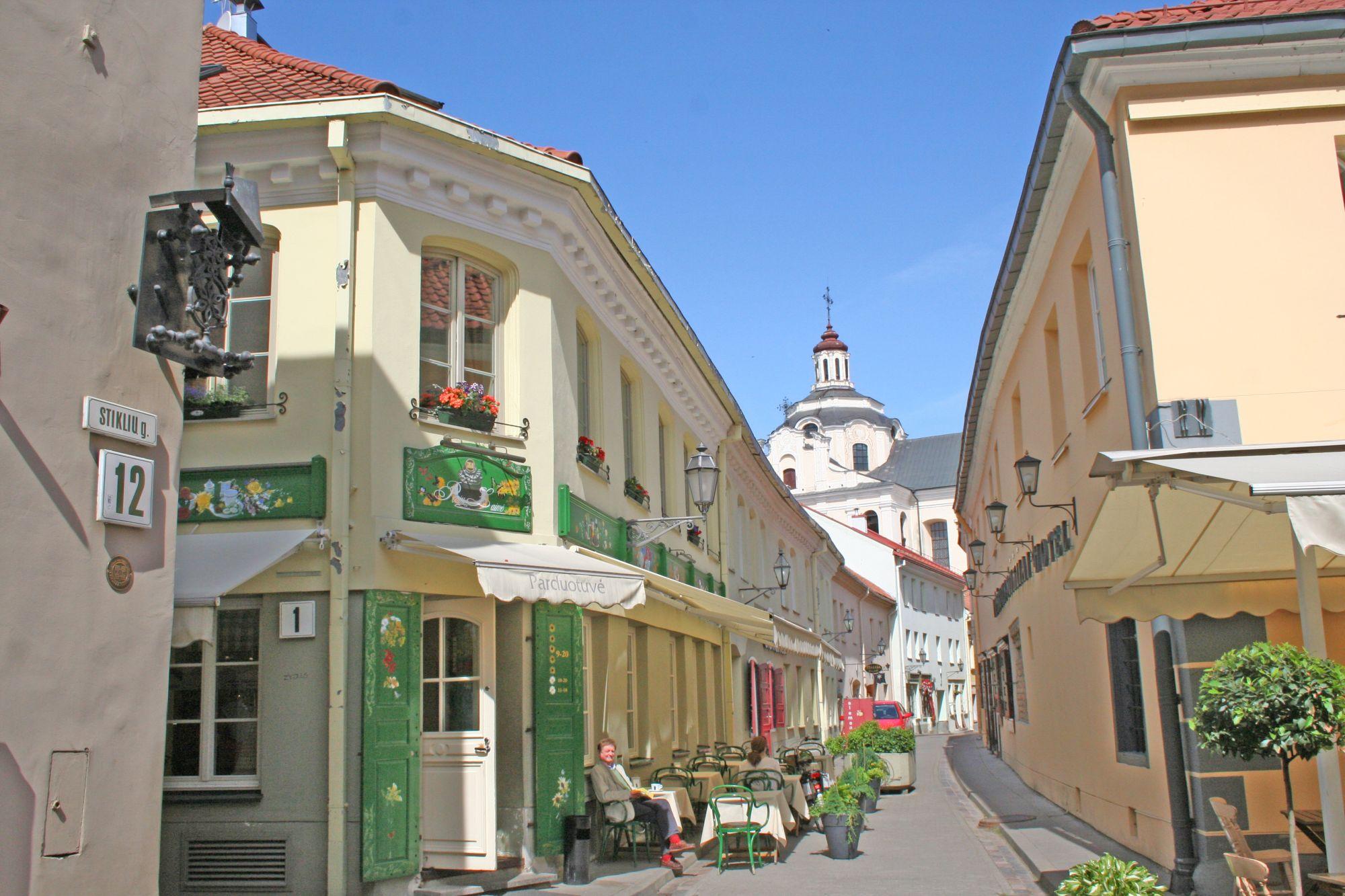 Stikliu-Street-2