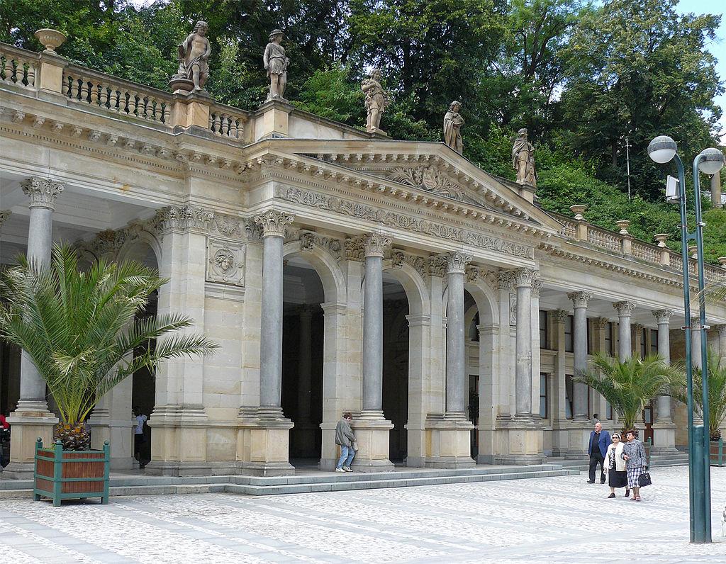 Karlovy_Vary_colonnade_1.