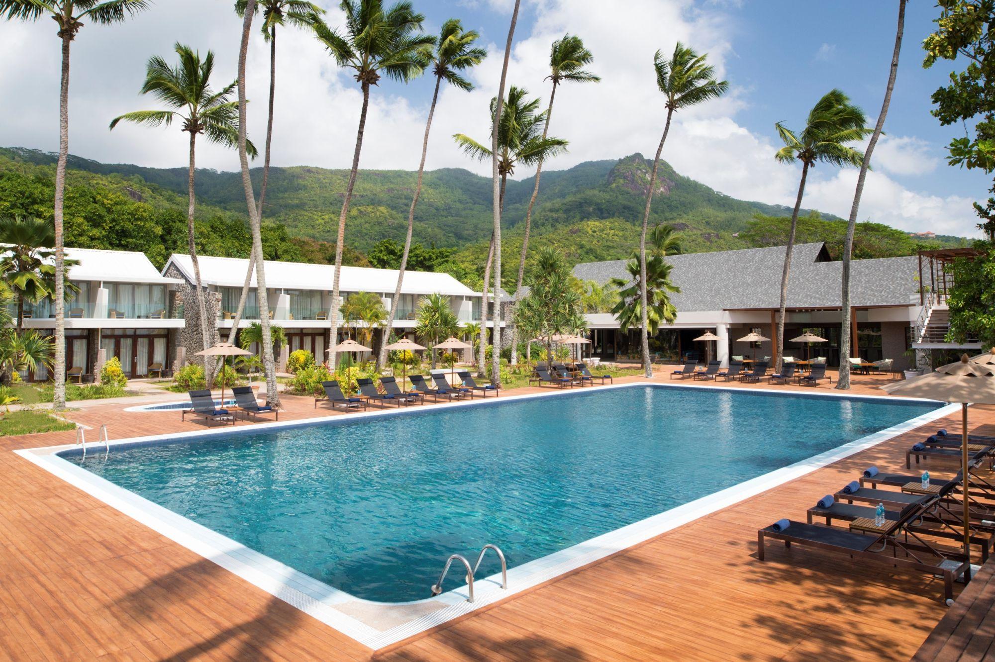 AVANI_Seychelles_Pool_With_Mountain_Backdrop