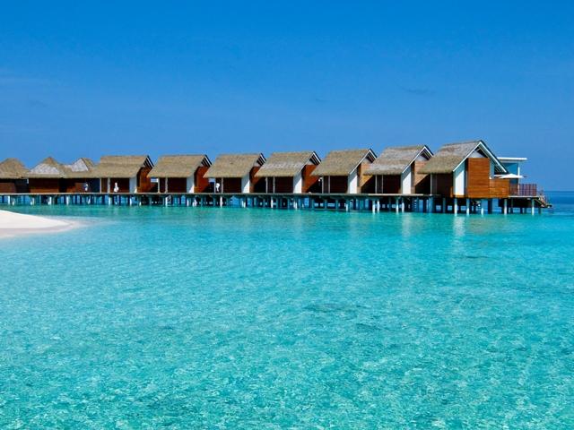 Kandolhu ocean villas w beach
