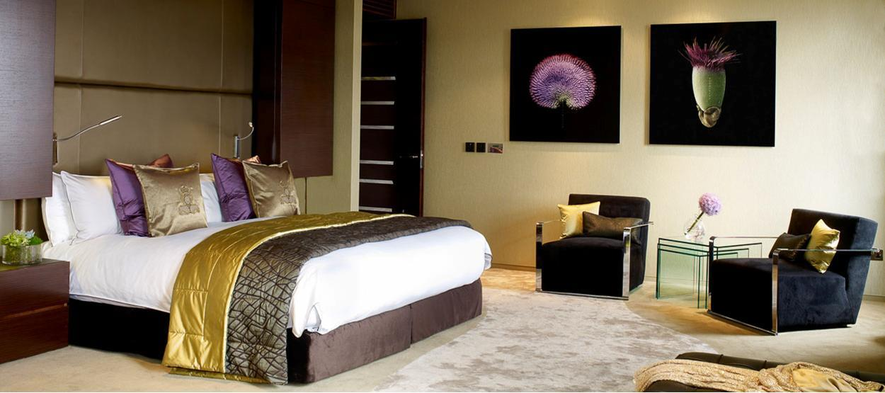 jumeirah-carlton-tower-royal-suite-bedroom-hero