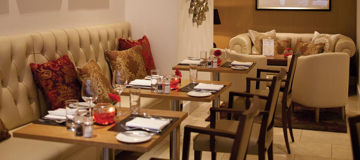 jumeirah-lowndes-hotel-restaurants-lowndes-bar-05-hero