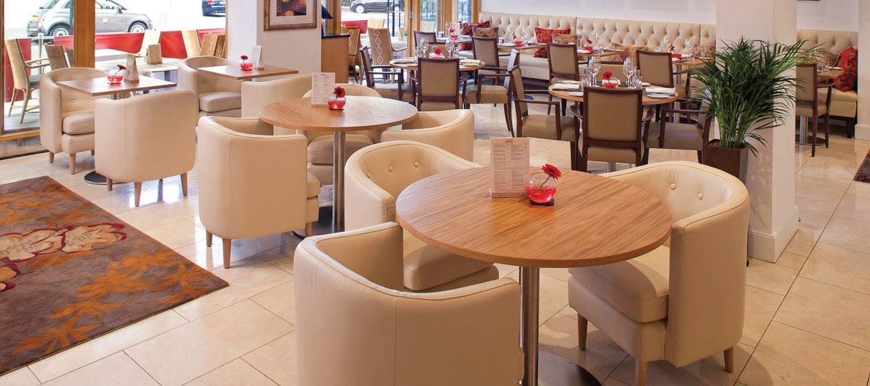 jumeirah-lowndes-hotel-restaurants-lowndes-bar-06-hero