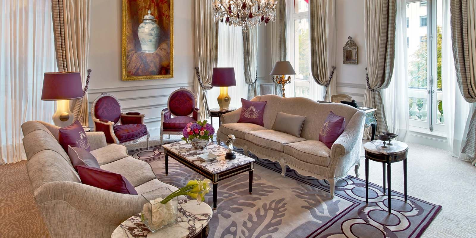 Hotel-Plaza-Athenee-Suite-Prestige-215-216-LR---Eric-Laignel-1