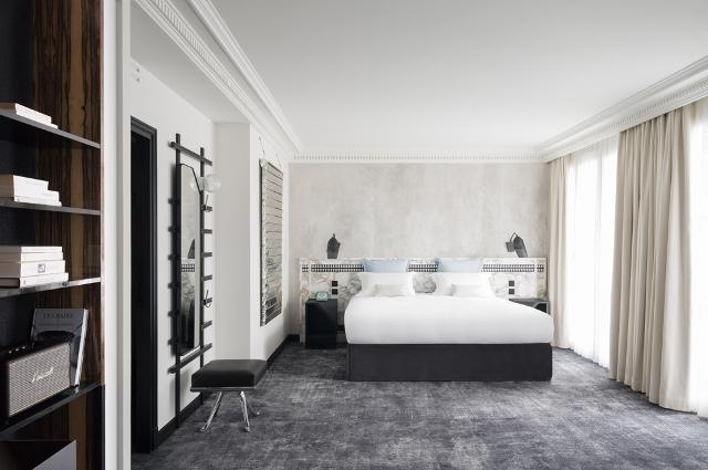 Les Bains-room shot