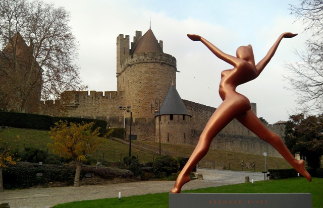 hotel sculpture