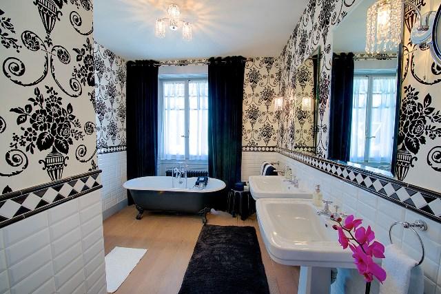 ft-caviar-bathroom