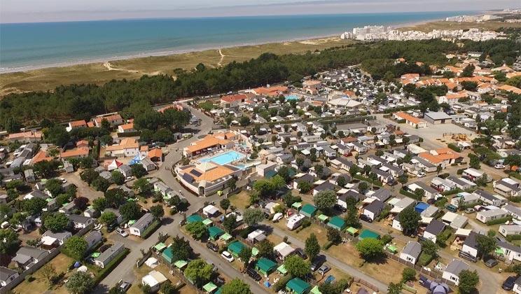 VN017-st-hilaire-de-riez-ecureuils-campsite-north-vendee-aerial-c_tcm13-53011