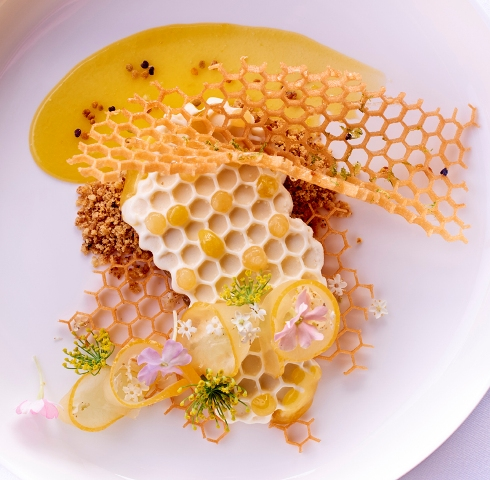 L'Abeille-signature honeycomb dessert