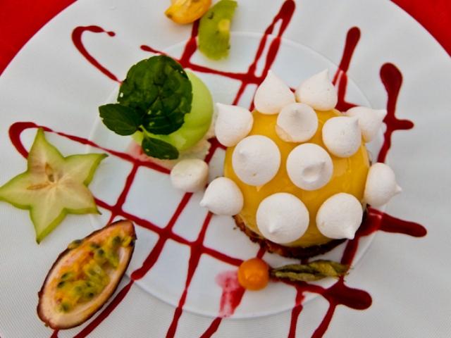 Lemon Dessert Hotel Blanc