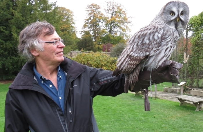falconry_course_swinton_park_bird_of_prey_centre_mike_gerrard_with_willow