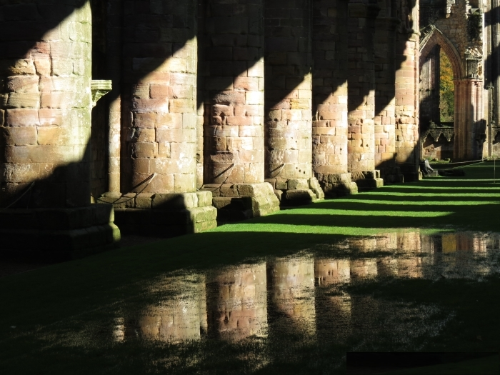 fountains_abbey_in_yorkshire