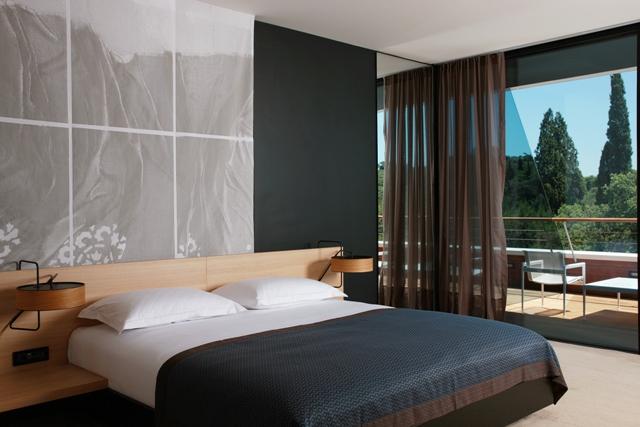 hotel-lone-premium-room