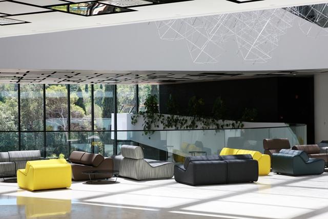 hotel-lone-lobby