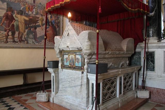 St. Euphemia Sarcophagus Rovinj (c) Andy Mossack